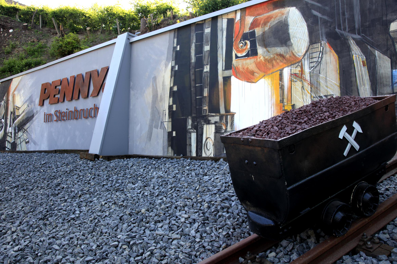 penny markt erh lt gold award f r industrial look. Black Bedroom Furniture Sets. Home Design Ideas